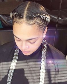 "My client looks sOOO GORG in her ""Classic Two"" Banana Braid Cornrows Slots are…"
