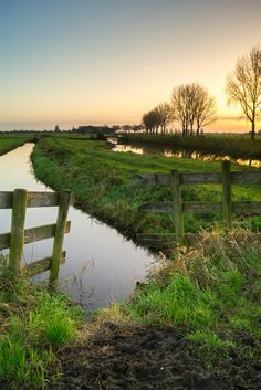 Nature Pictures, Cool Pictures, Vincent Van Gogh, Landscape Photography, Nature Photography, Beautiful Landscapes, The Great Outdoors, Places To Travel, Countryside