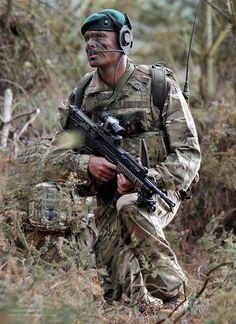 Today, the Royal Marines are the UK's Commando Forces and the Royal Navy's… British Royal Marines, British Armed Forces, British Army, British Soldier, Military Guns, Military Photos, Military Life, Marine Commandos, Rangers