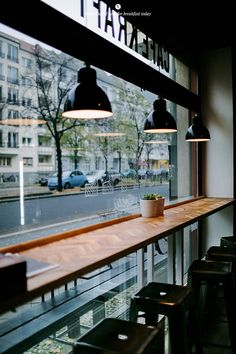 Eat Berlin - Cafe Kraft / Marta Greber #window #seating