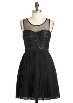 Really cute black bridesmaid's dresses..hope my bridemaids look at these!! soo cute