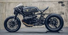 Menacing and purposeful, this custom BMW R nineT hits the mark like a well-placed right hook.
