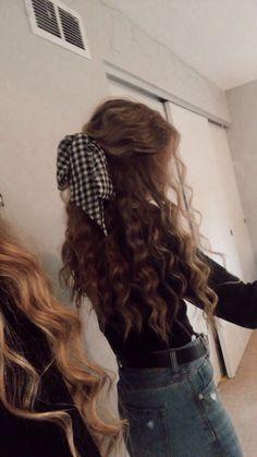 50 Stylish Curly Hair Styles Ideas For Women – Lockige Frisuren Sleep Hairstyles, Girls School Hairstyles, Summer Hairstyles, Easy Hairstyles, Night Hairstyles, Quince Hairstyles, Hairstyles For Curly Hair, Pretty Hairstyles For School, Casual Hairstyles