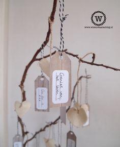 Een #wensboom vol kaartjes met mooie spreuken maken voor in huis.