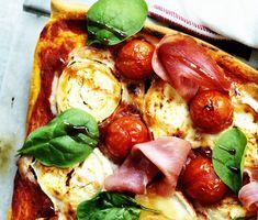Recept: Pizza med lufttorkad skinka och chèvre