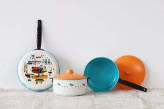 a living space: I love these-- kids play cookware