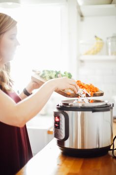 How to Use an Instant Pot: 16 Tips and Tricks That Will Help You Successfully Use the Instant Pot - Live Simply Pressure Cooker Recipes, Pressure Cooking, Slow Cooker, Easy Cooking, Cooking Time, Recipe Email, Broccoli Cheese Soup, In Season Produce, Hot Pot