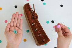 DIY Spotlight   Embroidered Mocs   Minnetonka Moccasin