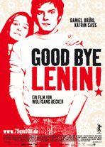 Good bye Lenin! Mønsterkommunisten Christiane er i koma, da hendes elskede DDR bryder sammen. Da hun vågner igen, forsøger hendes søn at skåne hende for virkeligheden, og han skaber derfor en illusion om, at DDR stadig består.