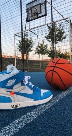Jordan Shoes Wallpaper, Sneakers Wallpaper, Hype Wallpaper, Macbook Wallpaper, Basketball Photography, Nba Wallpapers, Wallpaper Wallpapers, Hypebeast Wallpaper, Sneaker Art