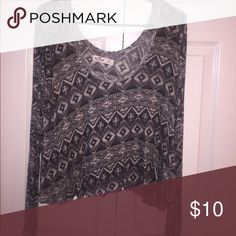 Tribal print long sleeve top Super soft wide scoop neck great condition Tops Tees - Long Sleeve