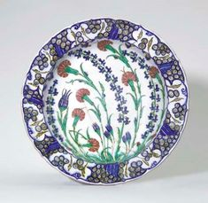 AN IZNIK POTTERY DISH OTTOMAN TURKEY,CIRCA1570
