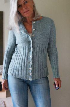 Ravelry: Morlaix Cardi pattern by Regina Moessmer ($7)
