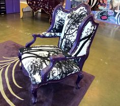 Oh my lord. Urban Decay, why do you have to have such wonderful furniture?!