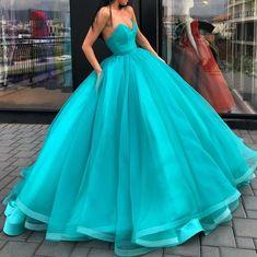 Yes or no  Follow us @nihiean #nihiean . . By @liastubllaofficial . . #bridesmaid #bridesmaids #bridesmaiddress #dress #dresses #weddingdress #weddingdresses #wedding #weddings #bride #bridal #maidofhonor #brides #weddingforward #lookslikefilm #instalove #styleoftheday #weddinghair #bridalhair #hairinspiration  #weddingparty #weddingdecor #eventplanner #fashionista #fashionblogger #weddingblog #fashionblog