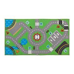 IKEA - STORABO, Teppich, , Hier geht's rund! Auf dem Spielteppich gibt es Straßen, Parklätze, Verkehrsschilder und eine Bahnstrecke - genau wie in der Stadt. Die Figuren und Fahrzeuge aus der LILLABO Serie passen perfekt dazu.Der dicke, dichte Flor ist warm, kuschelig an den Füßen und wirkt gleichzeitig geräuschdämpfend.Kinderspiele können die Umgebung ganz schön beanspruchen. Das gilt auch für Teppiche. Deshalb besteht dieser Teppich aus robusten, fleckabweisenden Synthetikfasern, die…