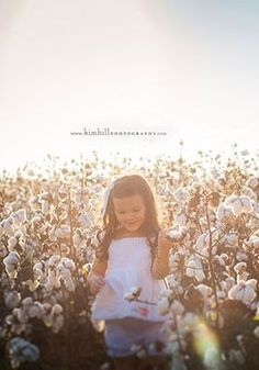 These photography tips from the pros will help you capture moments with your toddlers that you will treasure forever! Cotton Field Photography, Whimsical Photography, Toddler Photography, Love Photography, River Pictures, Fall Pictures, Fall Photos, Christmas Pictures, Picture Poses