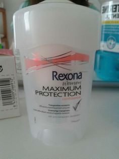 "La palabra ""MAXIMUM"" en un desodorante, que en latín significa maximo. Roser Simon 4t B"