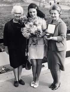 Dana, Ireland, winner of the Eurovision Song Contest 1970 with her mother and grandmother