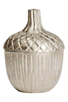Acorn-shaped metal box with an engraved pattern and a lid. Gland, H&m Home, H&m Online, Acorn, Seasonal Decor, Things To Buy, Metallica, Sweet Home, Christmas Decorations
