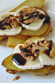 cheese and walnuts Vegetarian Recipes, Cooking Recipes, Best Party Food, Food Porn, Tasty, Yummy Food, Slow Food, Snacks, Tostadas