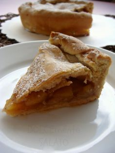 DOLCEmente SALATO: Apple pie di Montersino-ngredients for a mold 20 cm For the pastry crust special: 35 g of whole eggs 385 grams of flour 00 7 g salt 140 g butter 70 grams of water 70 g sugar For the filling: 700 grams of apples (Red or Golden Pippin) 70 g sugar 3 grams of ground cinnamon 17.5 g of corn starch 14 grams of lemon juice