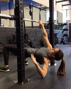 """7,231 Likes, 100 Comments - Alexia Clark (@alexia_clark) on Instagram: """"Pull. Push. Crunch 1. 12 each side 2. 15 reps 3. 15 each side 3-5 rounds #alexiaclark…"""""""