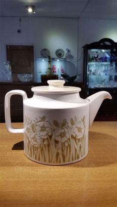 Hornsea Pottery Fleur Tea Pot by Sara Vardy 1970s - Artmosphere Antiques Battlesbridge Essex