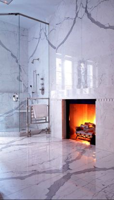 Dramatic marble bathroom by Peter Marino | Inspire yourself in http://www.bocadolobo.com/en/inspiration-and-ideas/