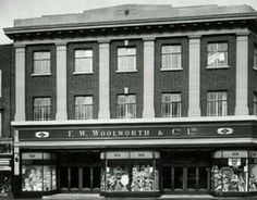 Woolworths 91 - 93 Rye Lane Peckham This branch opened on 13 July 1912 about 50 yards from Jones and Higgins. London History, Local History, London Bus, London Street, Vintage London, Old London, Old Pictures, Old Photos, London Photos