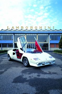 Countach' flying V-doors, windows that didn't really open, ingress/egress that was highly yogic, never before seen design cues and a top speed of 186 mph (300 km/h) made the holy-shit machine genuinely enigmatic