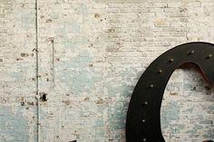 Méchant Design: bricks and stars