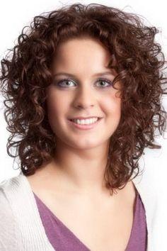 Frauen lockige Frisuren  #frauen #frisuren #lockige