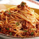 This is how you make the best spaghetti bolognese according to an Italian chef! - This is how you make the best spaghetti bolognese according to an Italian chef! Italian Pasta Recipes, Italian Dishes, Traditional Spaghetti Bolognese, Beste Bolognese, Bolognese Pasta, Pasta Carbonara, Chef Shows, Best Spaghetti, Italian Chef