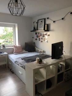Nice, cozy room in a newly renovated apartment for rent from September. Room Design Bedroom, Small Room Bedroom, Home Room Design, Bedroom Decor, Small Rooms, Small Room Design, Small Bedroom Designs, Minimalist Room, Cozy Room