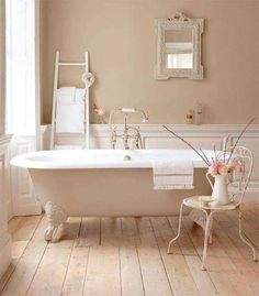 Delicieux Top 5 Shabby Chic Decorating Tips. Neutral Bathroom Paint Color Ideas ...