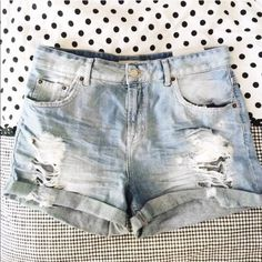 NEW HIGH WAISTED TOP SHOP SHORTS! New with tags! Size 8 (UK size 12) distressed high waisted shorts from Topshop. From their Moto Hayden collection. Topshop Jeans