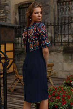 Сукня HRW-DR04 - унікальний вишитий одяг від студії
