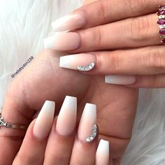 Matte French Fade Nail With Rhinestones ★ Are you looking for interesting and pretty graduation nails designs to look ideal at the ceremony? See our photo gallery to pick. The Effective Pictures We Offer You French Fade Nails, Faded Nails, Nail Color Combinations, Graduation Nails, Graduation Photos, Coffin Nails Long, Super Nails, Prom Nails, Rhinestone Nails