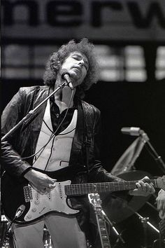 "The Fender Stratocaster guitar ""folk musician"" Bob Dylan played to taunts of ""Judas"" at 1965's Newport Festival is destined for the auction block later this year."