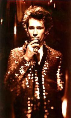 Jeff Buckley. Sequin blazer + mic.