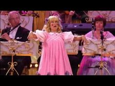 Song Of Olympia - André Rieu With Carla Maffioletti in Maastricht  - idolaa Carla!! eres the BEST!!!