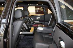 Deze Ghost is o.a. uitgerust met de volgende optie's : Bespoke interieur, Individual seats, Rear seat entertainment