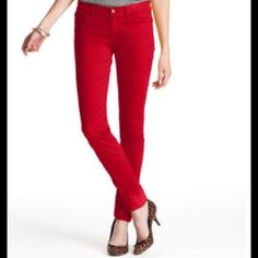 """Ann Taylor LOFT Skinny Jeans First pic of model wearing this style of Jeans. Last 3 pics are of actual item/color. Ann Taylor LOFT Skinny Jeans are made of 98% Cotton and 2% Spandex. Modern Skinny Design. Color Red. Size 4. Laying Flat """"15. Rise """"8.5. Length """"39. Inseam """"30. This item is in Good condition, Authentic and from a Smoke And Pet free home. All Offers through the offer button ONLY. I Will not negotiate Price in the comment section. Thank You😃 LOFT Jeans Skinny"""