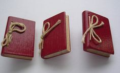 ButtonArtMuseum.com - Cool Unusual Vintage Carved Wood Realistic Figural Book Buttons