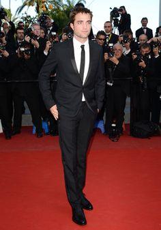 Robert Pattinson est venu soutenir sa Bella avant d'entrer en compétition, dans le très attendu Cosmopolis, de David Cronenberg.