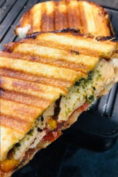 Chicken with caprese salad ingredients all melted together into the perfect panini #yum #whatsfordinner Caprese Panini, Caprese Salad, Caprese Chicken, Pesto Chicken, Panini Recipes, Food Fantasy, Sandwiches For Lunch, Best Sandwich, Fresh Bread