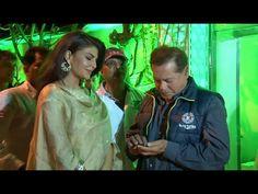 Jaqueline Fernandez & Salim Khan at Baba & Zeeshan Siddique's Iftaar party.
