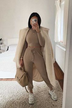 Trendy Fall Outfits, Chill Outfits, Cute Comfy Outfits, Sporty Outfits, Winter Fashion Outfits, Mode Outfits, Stylish Outfits, Kleidung Design, Looks Chic