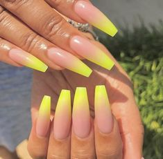 Nail art is a very popular trend these days and every woman you meet seems to have beautiful nails. It used to be that women would just go get a manicure or pedicure to get their nails trimmed and shaped with just a few coats of plain nail polish. Ombre Nail Designs, Acrylic Nail Designs, Nail Art Designs, Acrylic Nails Natural, Best Acrylic Nails, Acrylic Nails For Summer Coffin, Yellow Nails Design, Nagellack Design, Fire Nails